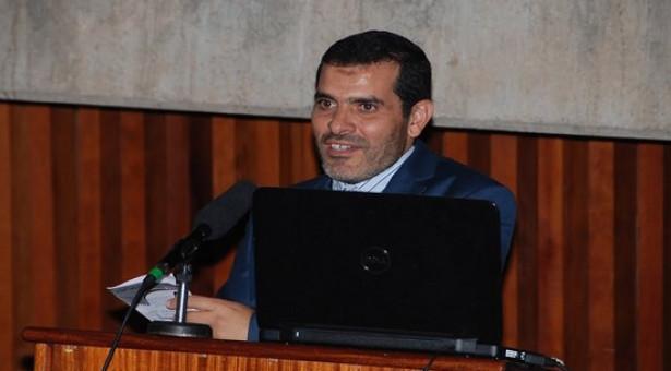 """دكتور من تاونات رئيس الجمعية المغربية للتواصل الصحي ينظم أول مؤتمر حول مستجدات """"كوفيد19″ عبر الساتل"""
