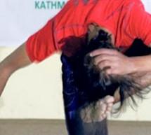 شاب بنغالي يركل رأسه 134 مرة في ستين ثانية