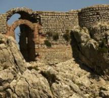 مرة أخرى قلعة أمركو التاريخية بإقليم تاونات تناديكم …فهل من متدخل؟؟؟