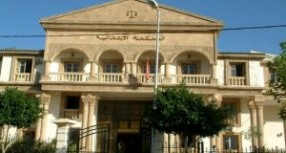 محاكمة سائق سيارة تسبب في مقتل 4 أفراد بالطريق الرابطة بين عين مديونة وبني وليد نواحي تاونات