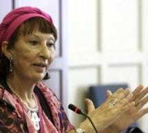 وفاة الكاتبة وعالمة الاجتماع المغربية إبنة إقليم تاونات فاطمة المرنيسي بألمانيا بعد مسيرة حافلة بالعطاء