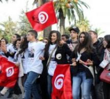 في حوار مع العالمة التونسية زينب الشارني:تنامي الإرهاب المخيم على أجواء ما بعد الثورات يجعل عملية الانتقال الديمقراطي تسير بشكل بطيء