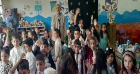 مدرسة الشهداء بتاونات تحتفي ببراعمها على الطريقة التقليدية المغربية الأصيلة