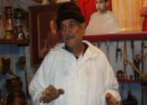 مصطفى بقال مواطن بتاونات يحول بيته إلى متحف تراثي زاخر بقطع أثرية نادرة