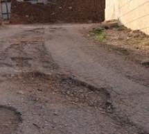 هذا ينطبق على طرق قرية أبامحمد بتاونات:أول الغيث قطرة وأول الغش حفرة